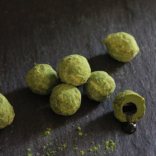 Willie's Cacao liquid centre of matcha truffles - Artisan Made - Natural